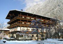 HOTEL-PENSION  STROLZ 3*             Mayerhofen